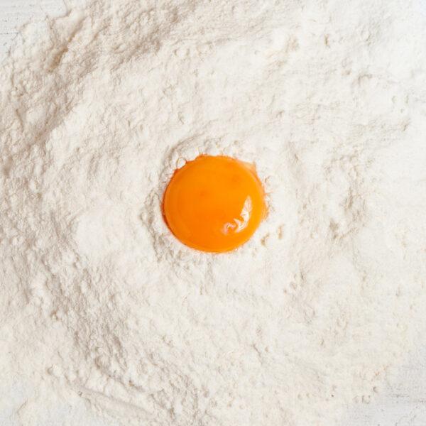 wyjątkowe właściwości jaj - wiązanie ciasta