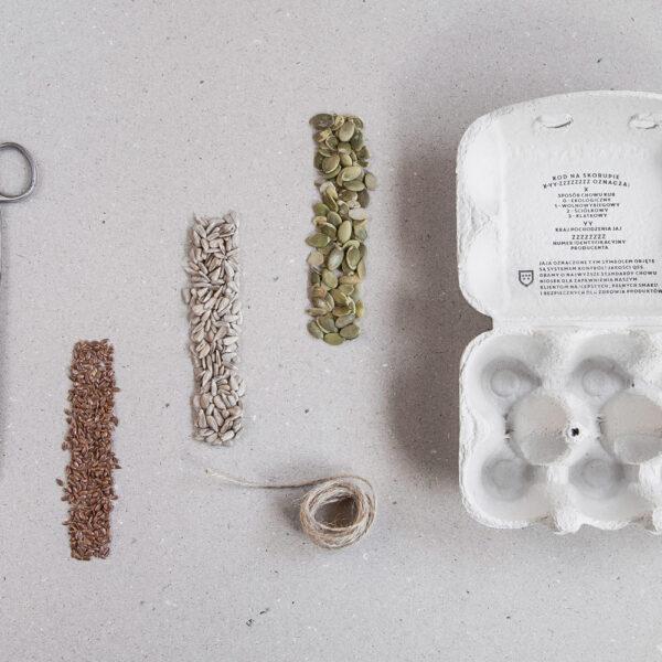 substraty na karmnik - ziarna, jajo i wytłaczanka