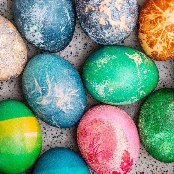 naturalnie zabarwione jaja