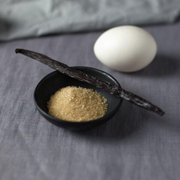 cukier i laska wanilii do wyrobu adwokata